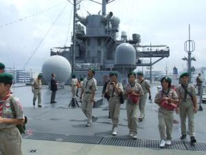 米艦ブルーリッジのデッキ