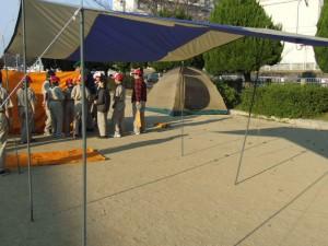 タープと倉庫テント
